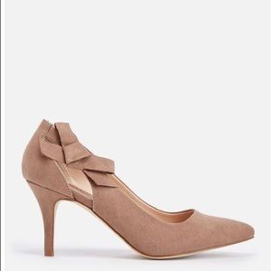 """JustFab Carletta 3"""" heel with bow accent taupe 8.5"""